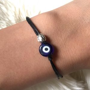 Jewelry - 🆕 Evil eye rope bracelet